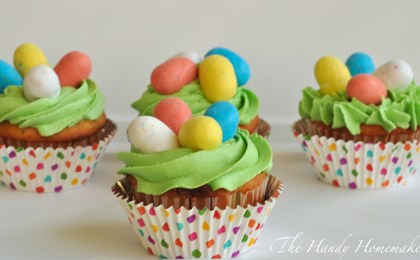 malted-milk-candy-easter-egg-cupcakes-2.jpg