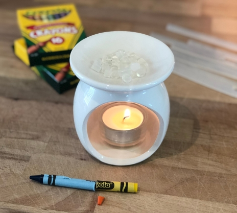 Melting glue sticks on candle warmer